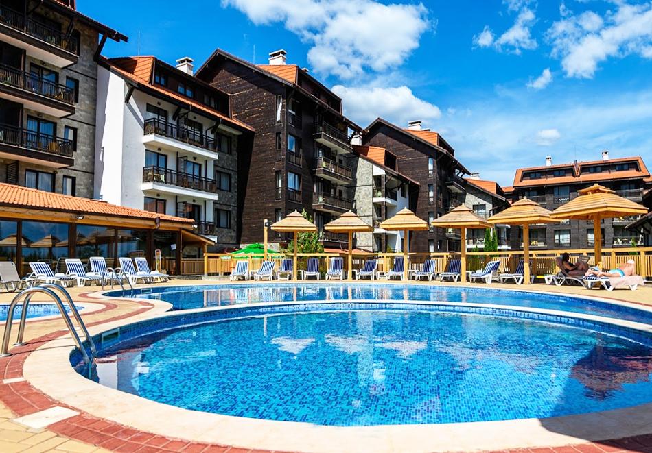 Нова година до Банско! 3, 5 или 7 нощувки на човек със закуски и вечери, едната празнична + басейн и СПА зона от Балканско Бижу апартхотел****, снимка 10
