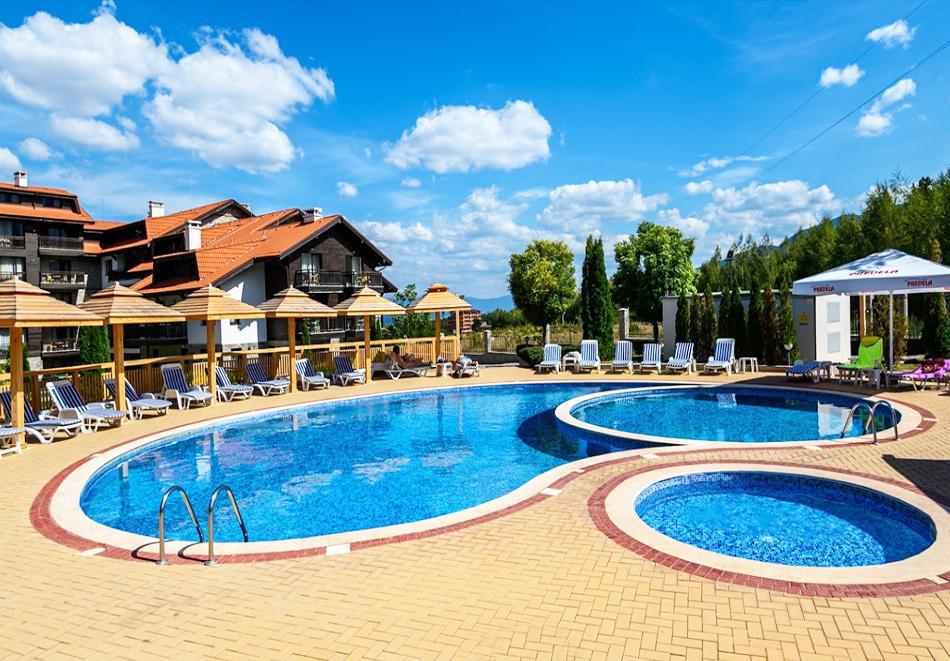 Нова година до Банско! 3, 5 или 7 нощувки на човек със закуски и вечери, едната празнична + басейн и СПА зона от Балканско Бижу апартхотел****, снимка 11