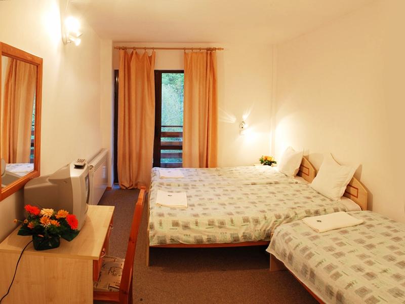 Великден край Велико Търново! 2 или 3 нощувки на човек със закуски + празничен обяд в хотел Момина Крепост, снимка 8