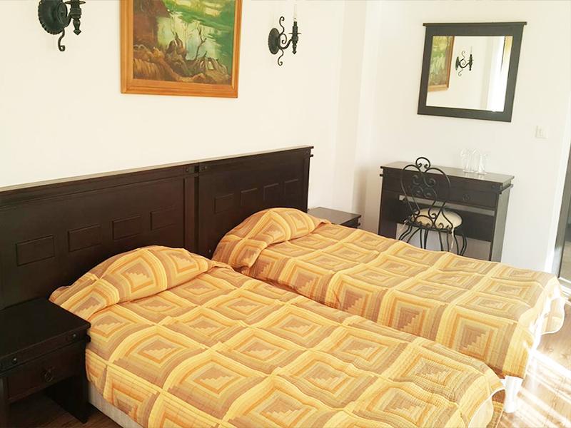 Почивка до Троян! 2 нощувки на човек със закуски в хотел Виа Траяна, Беклемето, снимка 6