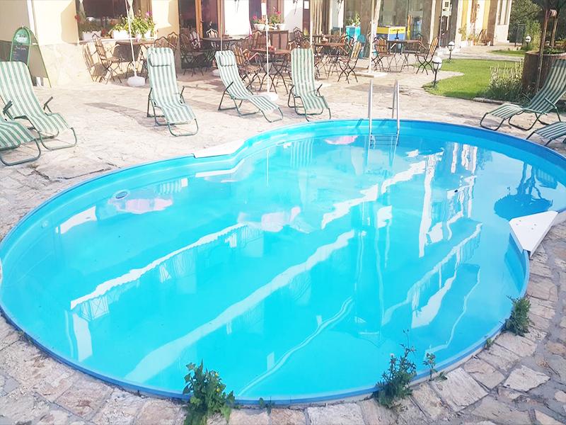 Почивка до Троян! 2 нощувки на човек със закуски в хотел Виа Траяна, Беклемето, снимка 2