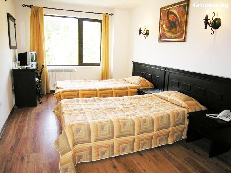 Почивка до Троян! 2 нощувки на човек със закуски в хотел Виа Траяна, Беклемето, снимка 5