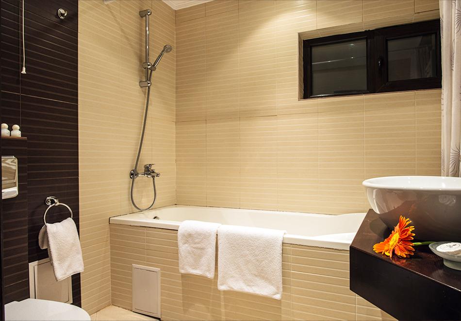 Нощувка на човек в Гранд хотел Велико Търново, снимка 6
