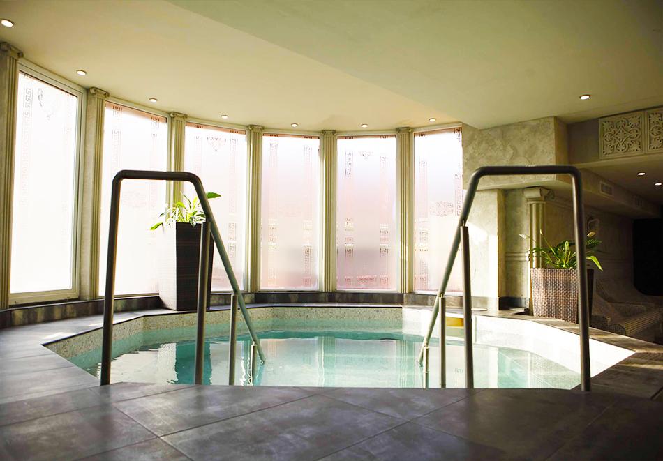 Нощувка със закуска  за двама + СПА и басейн с МИНЕРАЛНА вода от СПА хотел Стримон Гардън*****, Кюстендил, снимка 6