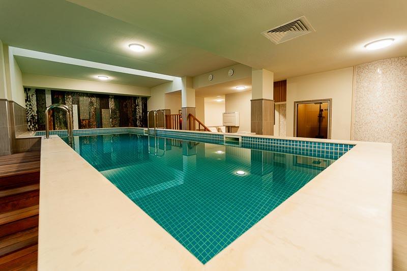 Нощувка на човек със закуска и вечеря + басейн и СПА в НОВИЯ хотел Алиса,  Павел Баня, снимка 4