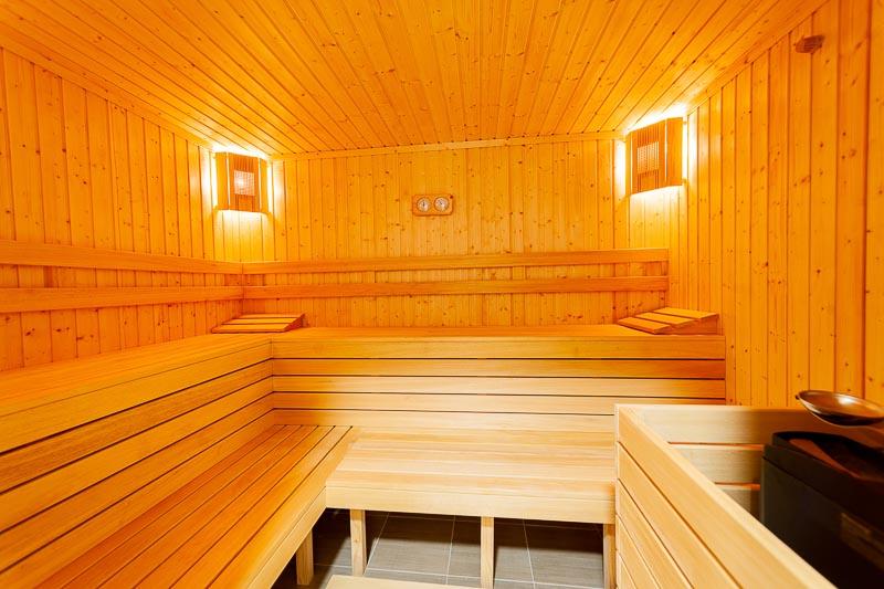 Нощувка на човек със закуска и вечеря + басейн и СПА в НОВИЯ хотел Алиса,  Павел Баня, снимка 5