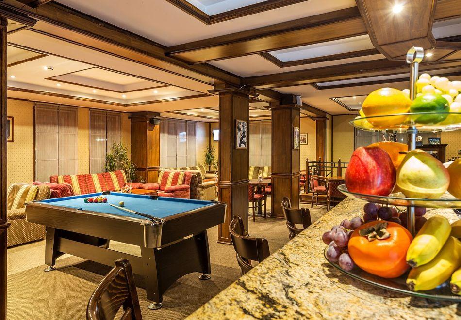 Нощувка на човек със закуска и вечеря + топъл басейн в хотел Шато Монтан, Троян, снимка 19