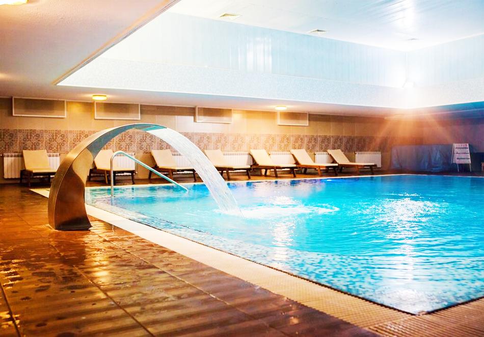 Уикенд в Казанлък. 2=3 нощувки на човек със закуски + минерален басейн и релакс център в Гранд хотел Казанлък***, снимка 4
