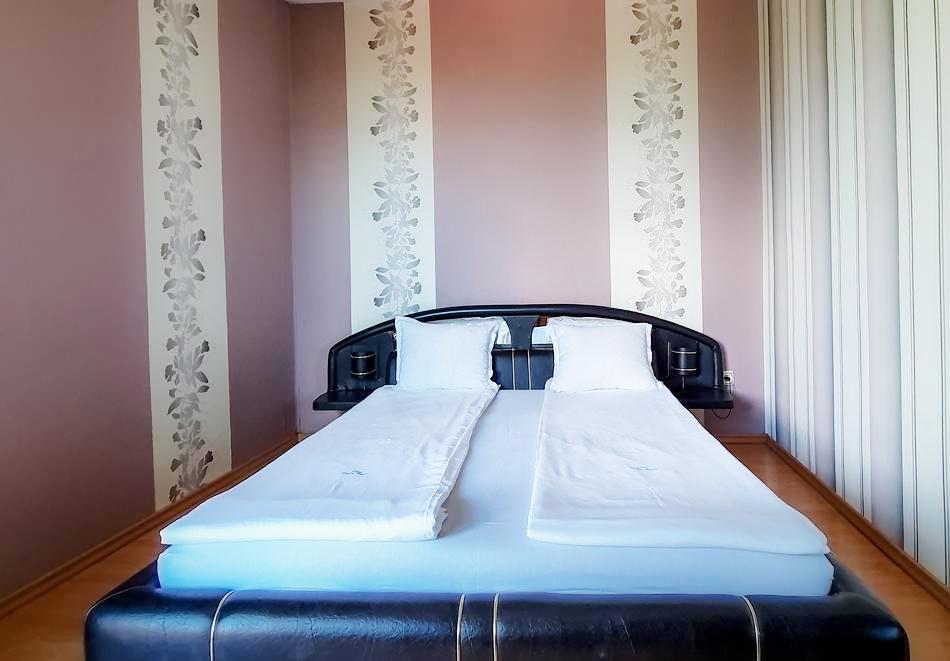 Хотелски комплекс Долна Баня, снимка 9