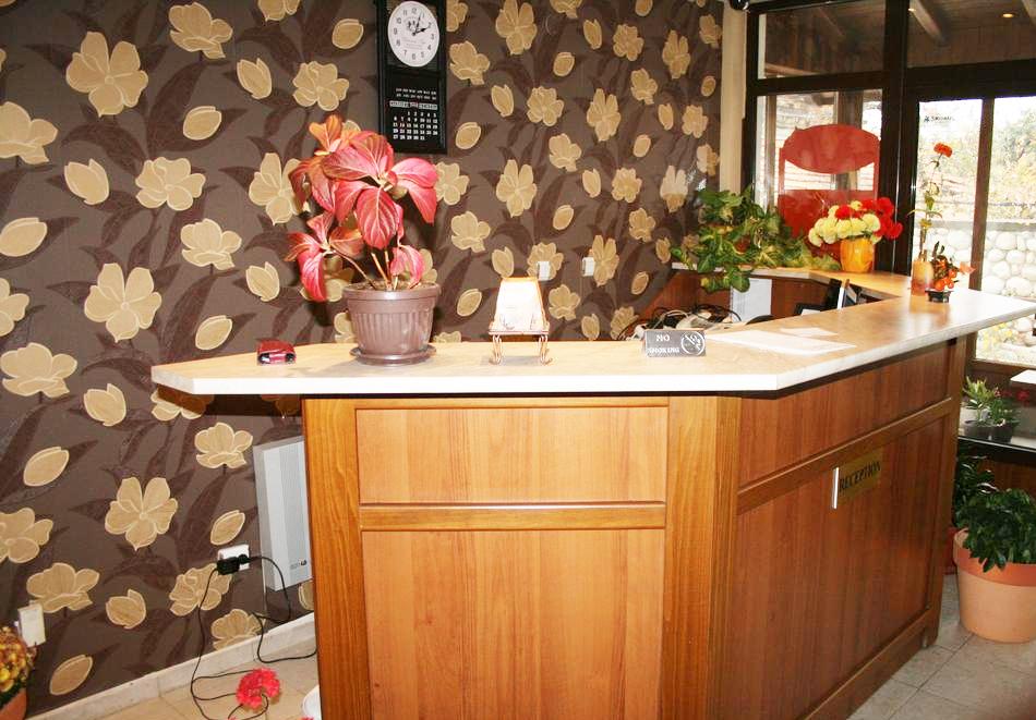 Нова година в Банско! 3 или 4 нощувки на човек със закуски и вечери - едната празнична в хотел Корина Скай, снимка 15