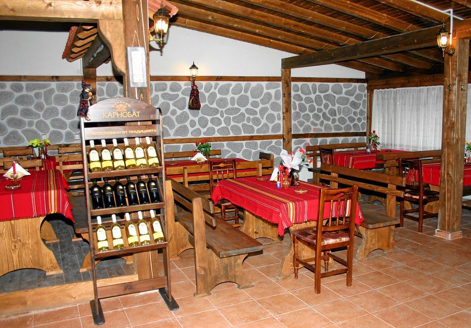 Нова година в Банско! 3 или 4 нощувки на човек със закуски и вечери - едната празнична в хотел Корина Скай, снимка 12