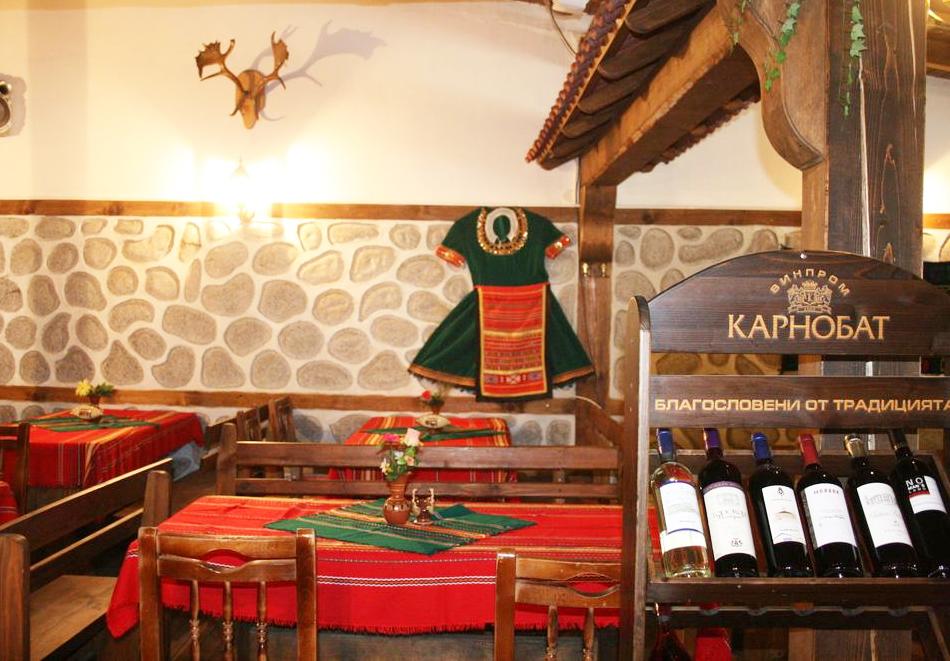 Нова година в Банско! 3 или 4 нощувки на човек със закуски и вечери - едната празнична в хотел Корина Скай, снимка 9