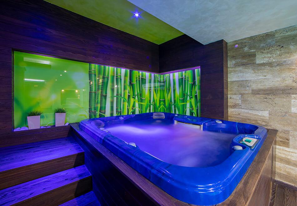 Нощувка на човек със закуска и вечеря + 2 минерални басейна + външно горещо джакузи + СПА пакет в хотел Езерец, Благоевград, снимка 12