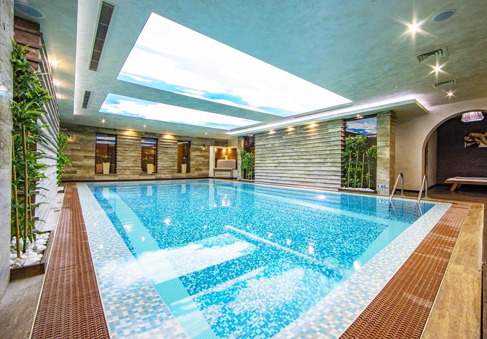 Нощувка на човек със закуска и вечеря + 2 минерални басейна + външно горещо джакузи + СПА пакет в хотел Езерец, Благоевград, снимка 9