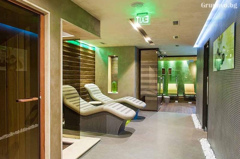 Нощувка на човек със закуска и вечеря + 2 минерални басейна + външно горещо джакузи + СПА пакет в хотел Езерец, Благоевград, снимка 14