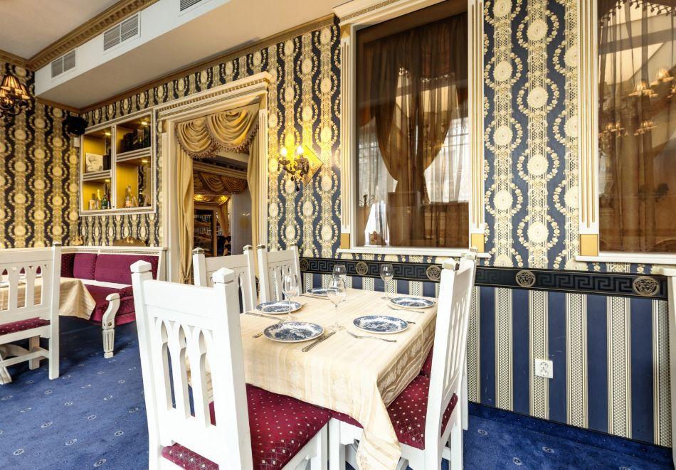 Нощувка на човек със закуска само за 44 лв. в Бутиков хотел Свети Никола, София, кв. Бояна, снимка 5