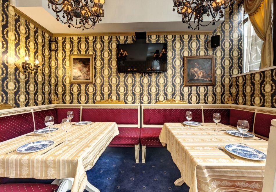 Нощувка на човек със закуска само за 44 лв. в Бутиков хотел Свети Никола, София, кв. Бояна, снимка 8