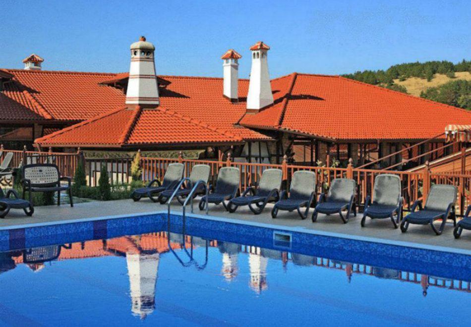 2 нощувки на човек със закуски и 1 вечеря + парна баня в Рачев хотел Резиденс****, Арбанаси, снимка 5