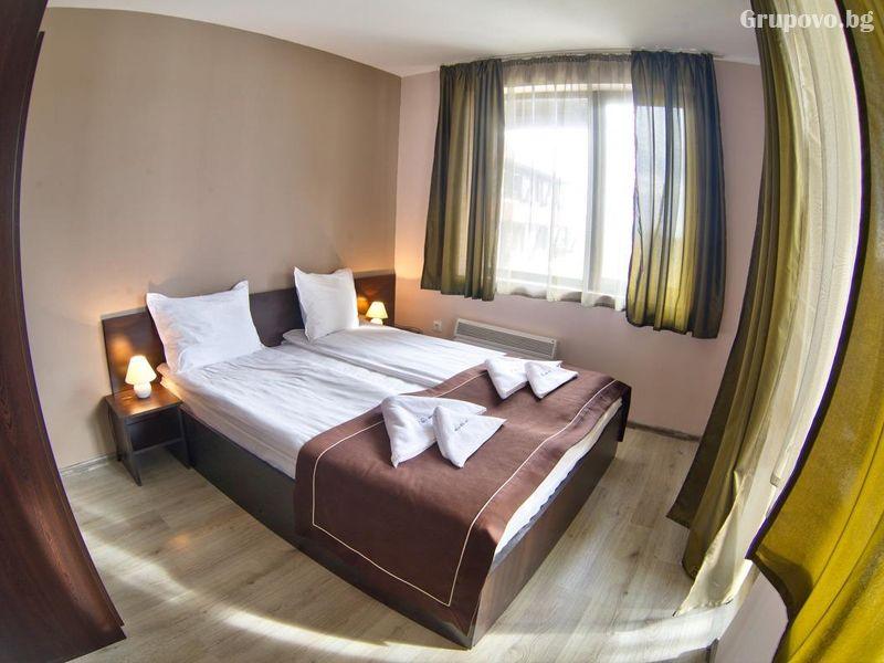 2 или 3 нощувки на човек на база  All inclusive light + басейн от хотел Мария Антоанета, Банско, снимка 6