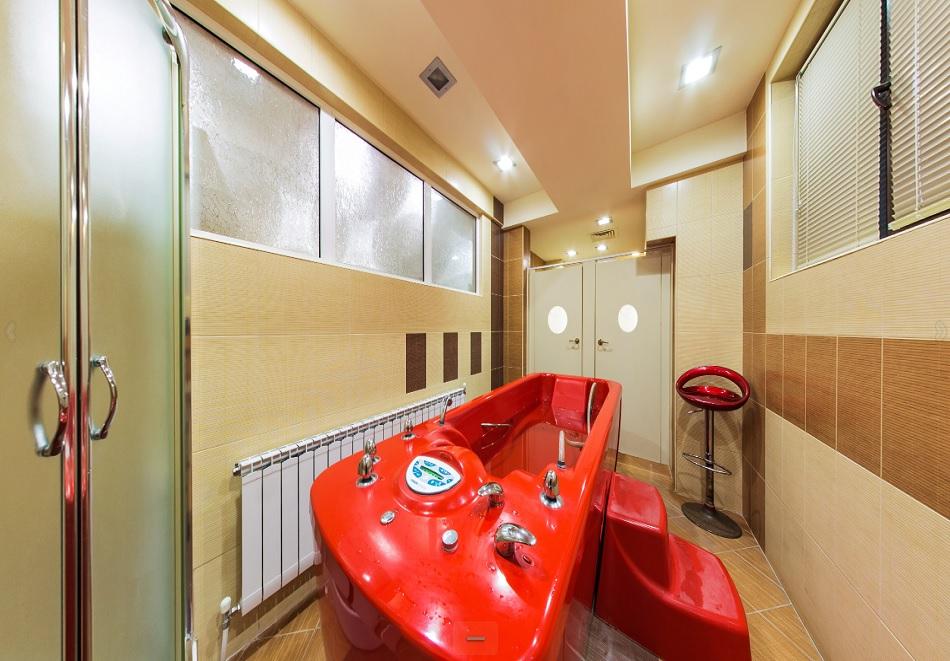 Нощувка на човек със закуска + минерален басейн и релакс зона само за 47 лв. в Балнеохотел Маркони****, Павел Баня, снимка 8