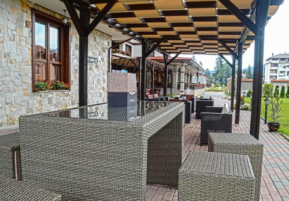 2+ нощувки на човек със закуски и вечери + вътрешен и външен минерален басейн + релакс зона от Семеен хотел Алегра, Велинград, снимка 12