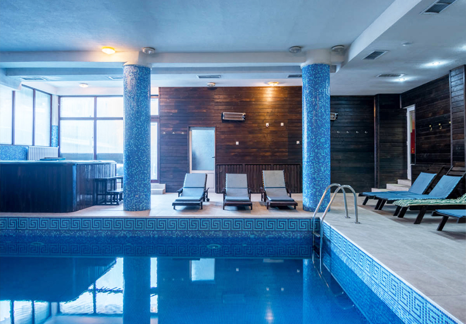 Нова година в хотел Елегант Лодж, Банско! 5 нощувки на човек със закуски + топъл вътрешен басейн и релакс пакет. Доплащане по желание за Новогодишен куверт, снимка 3