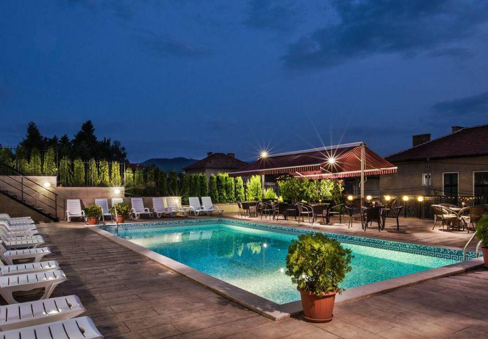 Почивка в хотел Енира****, Велинград! Нощувка на човек със закуска и вечеря + открит и закрит минерален басейн и релакс пакет, снимка 3