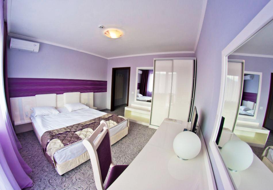 Почивка в хотел Енира****, Велинград! Нощувка на човек със закуска и вечеря + открит и закрит минерален басейн и релакс пакет, снимка 8