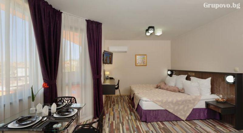 Нощувка за двама, трима или четирима в хотел Хелоу Хисар, снимка 15