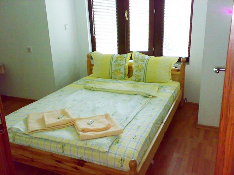 Нощувка в самостоятелна къща за до 20 човека в стаи за гости Мирела, Рибарица., снимка 10