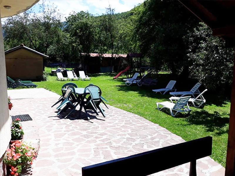 Нощувка в самостоятелна къща за до 20 човека в стаи за гости Мирела, Рибарица., снимка 5