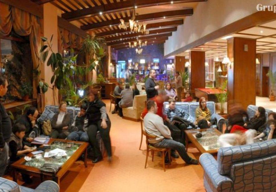 Нощувка на човек със закуска и вечеря в хотел Преспа, Пампорово, снимка 11