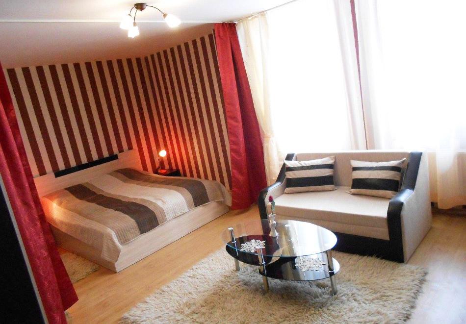Коледа в Копривщица! Две или три нощувки за до 10 човека в самостоятелна къща + механа и кухня + сауна в къща за гости Ценови, снимка 10