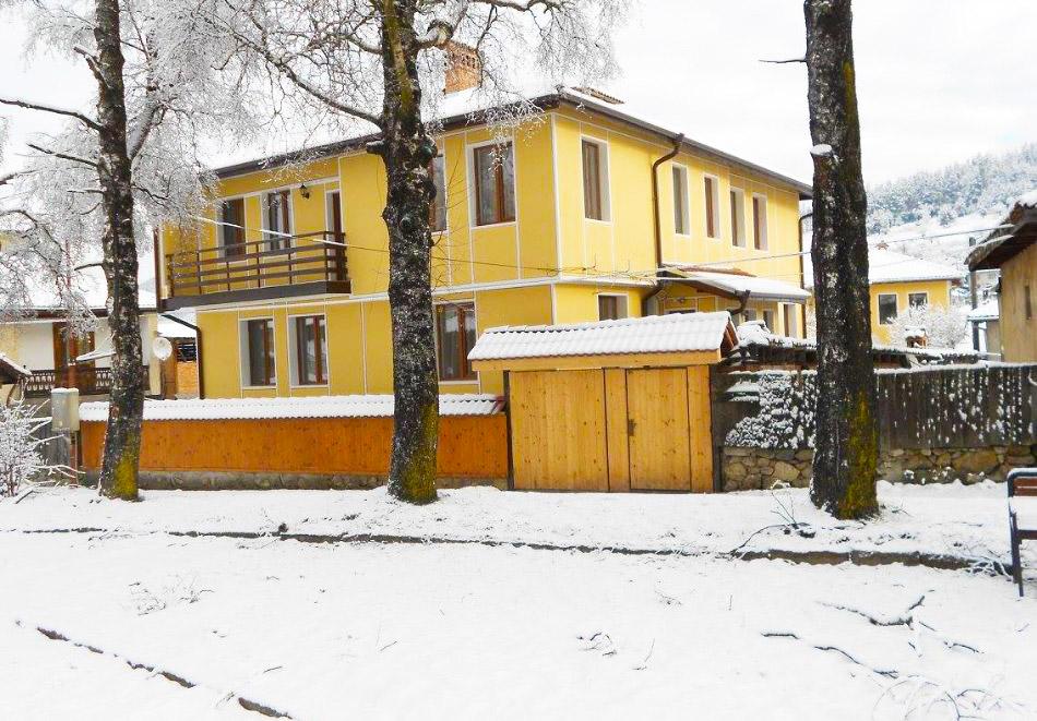 Къща за гости Ценови, Копривщица