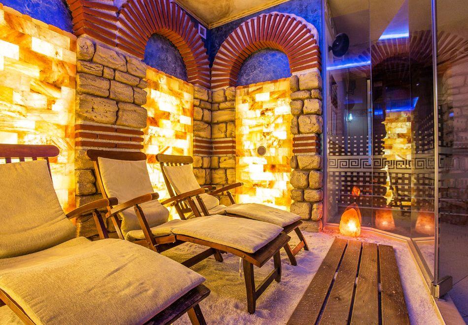 Нова година в Поморие! 3 или 4 нощувки на човек със закуски и празнична вечеря + басейн и СПА в хотел Сейнт Джордж****, на 1-ва линия в Поморие, снимка 20
