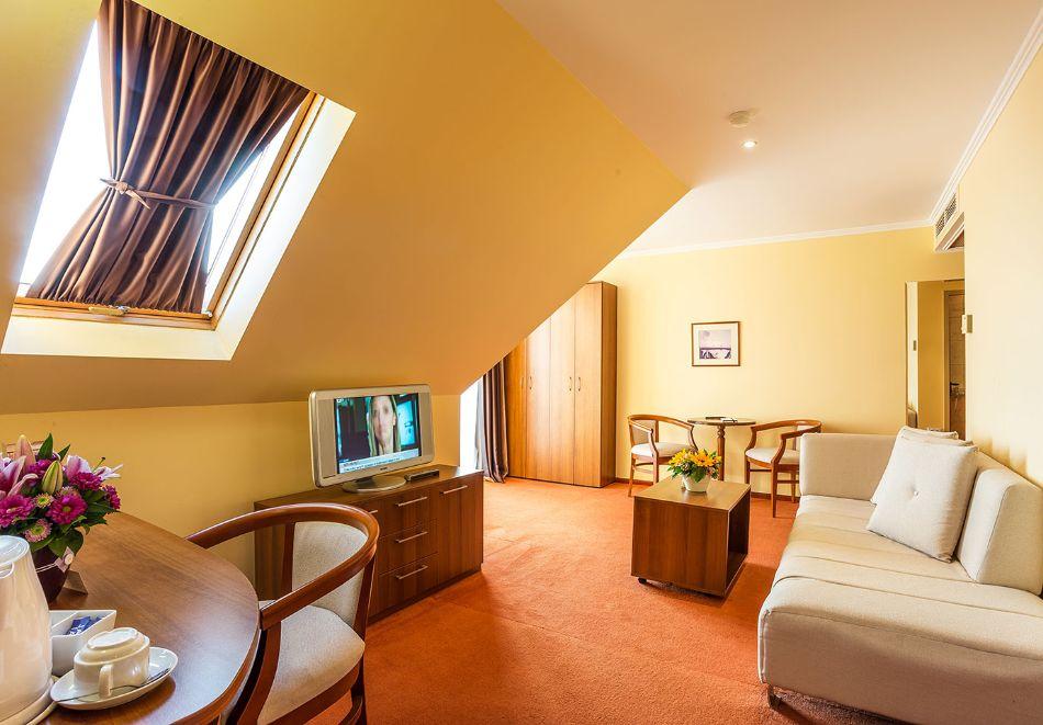 2+ нощувки на човек със закуски и вечери + басейн и СПА в хотел Сейнт Джордж****, на 1-ва линия в Поморие, снимка 22