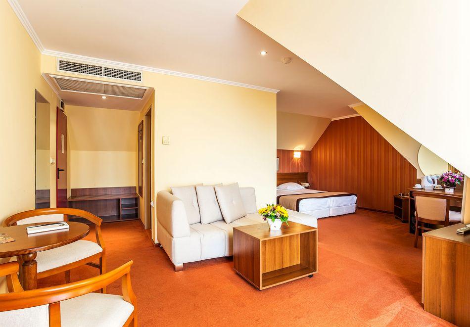 2+ нощувки на човек със закуски и вечери + басейн и СПА в хотел Сейнт Джордж****, на 1-ва линия в Поморие, снимка 20