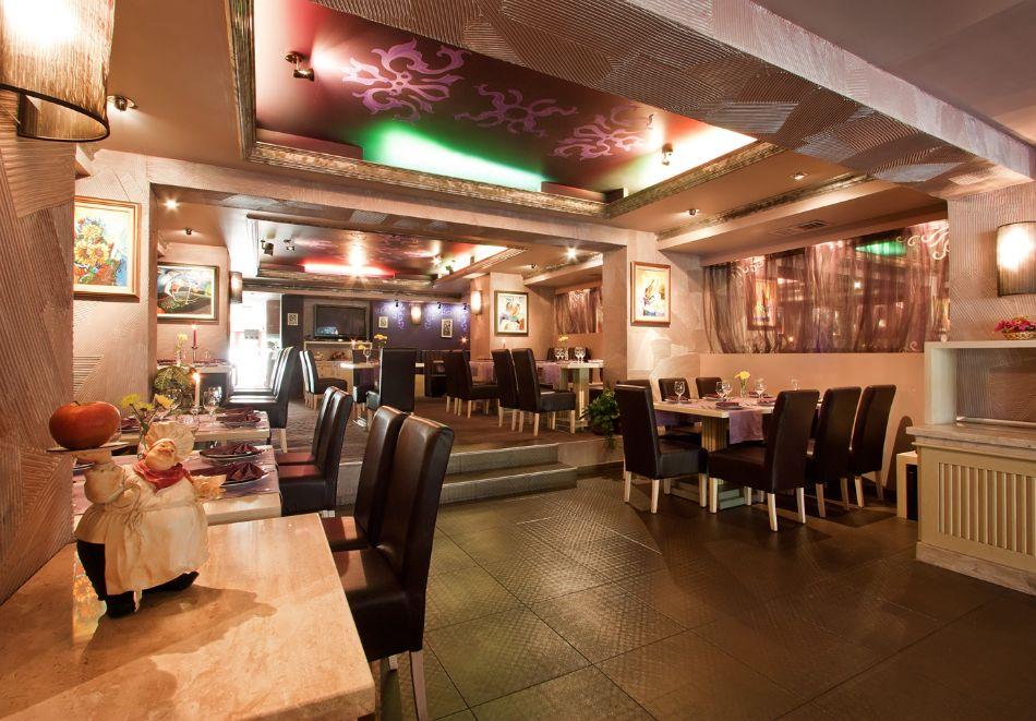 Нова година в Поморие! 3 или 4 нощувки на човек със закуски и празнична вечеря + басейн и СПА в хотел Сейнт Джордж****, на 1-ва линия в Поморие, снимка 14