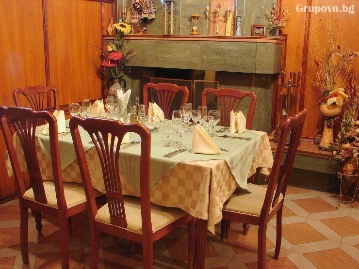 Нощувка на човек със закуска в хотел Дарлинг, Драгалевци. Дете до 16г. – безплатно!, снимка 11