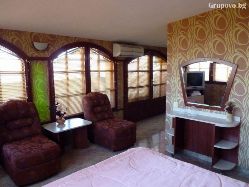 Нощувка на човек със закуска в хотел Дарлинг, Драгалевци. Дете до 16г. – безплатно!, снимка 4
