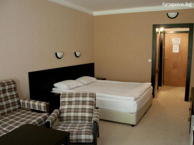 Нощувка на човек със закуска и вечеря + релакс пакет в хотел Еверест, Етрополе, снимка 12