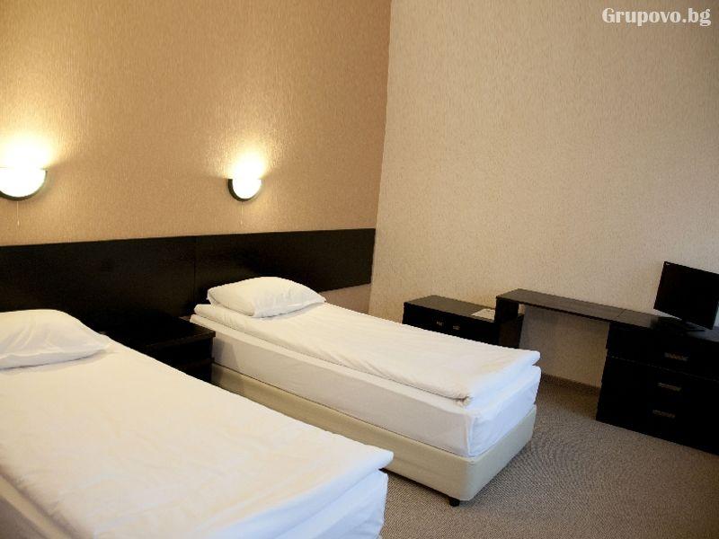 Нощувка на човек със закуска и вечеря + релакс пакет в хотел Еверест, Етрополе, снимка 13