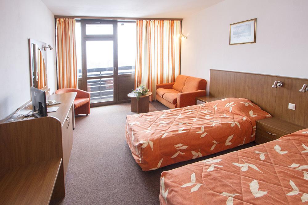 Нова година в Боровец! 3 нощувки на човек със закуски и вечери, едната празнична + басейн и термо зона от хотел Самоков****, снимка 10
