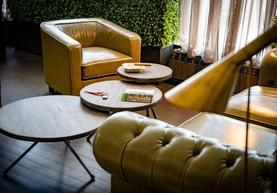Нощувка със закуска на човек в двойна стая с изглед МОРЕ в хотел Панорама****, Варна, снимка 14