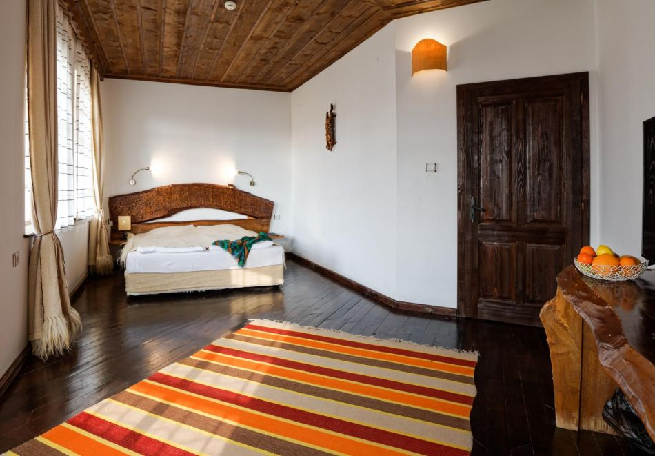 Нощувка на човек със закуска, минерални басейни, СПА и винен тур в хотел или апартхотел Старосел, край Хисаря!, снимка 9