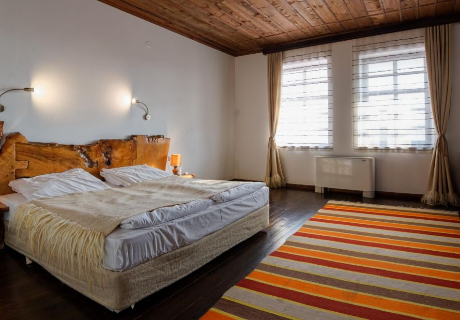 Нощувка на човек със закуска, минерални басейни, СПА и винен тур в хотел или апартхотел Старосел, край Хисаря!, снимка 7