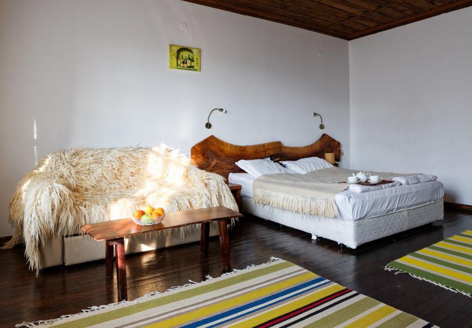 Нощувка на човек със закуска, минерални басейни, СПА и винен тур в хотел или апартхотел Старосел, край Хисаря!, снимка 5