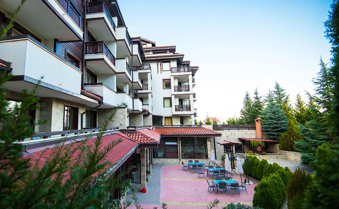 На ски в Банско. Нощувка на човек със закуска и вечеря* + басейн в хотел Орбилукс***, снимка 2