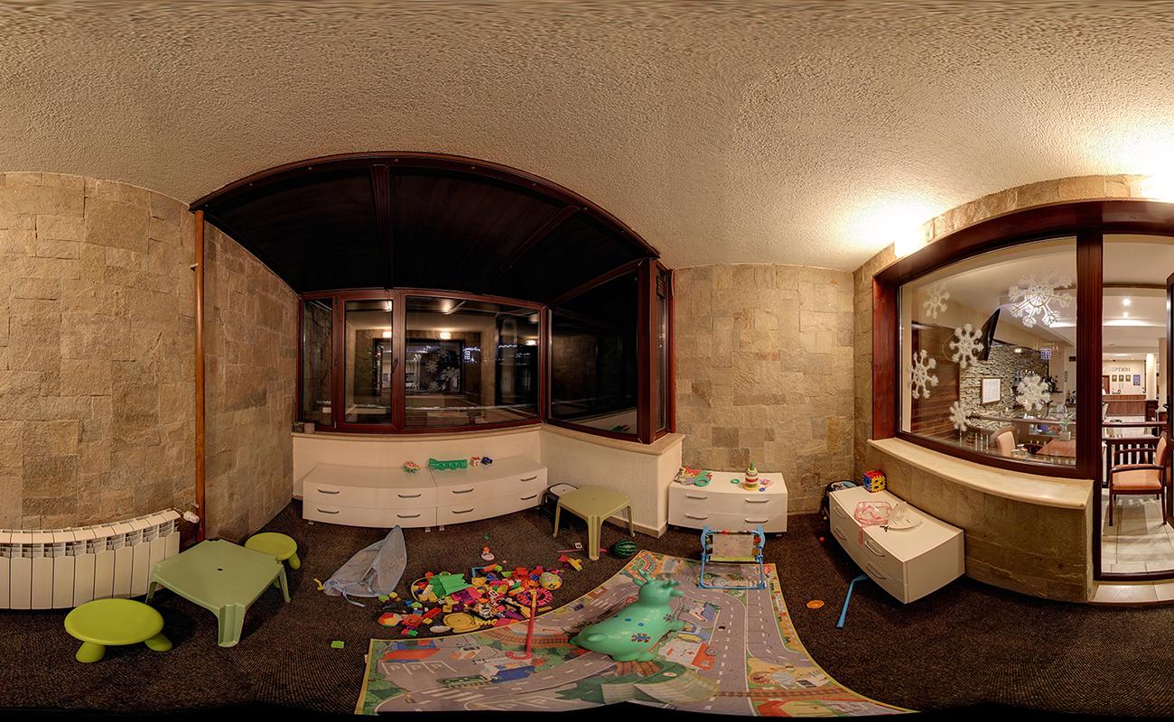На ски в Банско. Нощувка на човек със закуска и вечеря* + басейн в хотел Орбилукс***, снимка 18