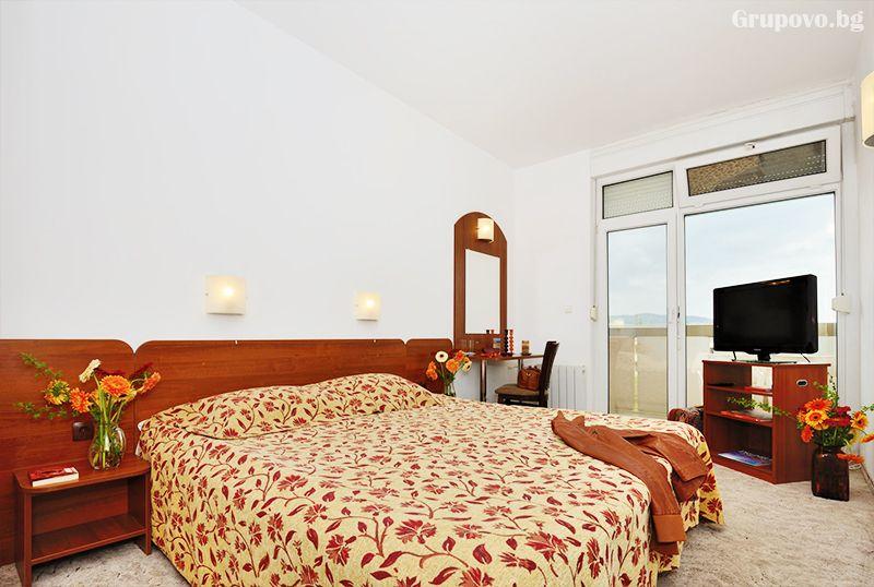 Коледа в хотел Аугуста, Хисаря! 3 нощувки за двама, трима или четирима със закуски 2 традиционни вечери +релакс пакет, снимка 13
